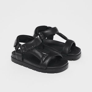 • Zara • Leather Sandals